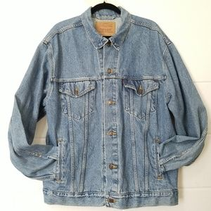 LEVI STRAUSS & Co Relaxed Denim Trucker Jacket
